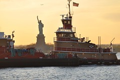 2011 NYC Spring: Tug with Statue of Liberty (lazzo51) Tags: newyorkcity sunset brooklyn harbor tug statueofliberty redhook