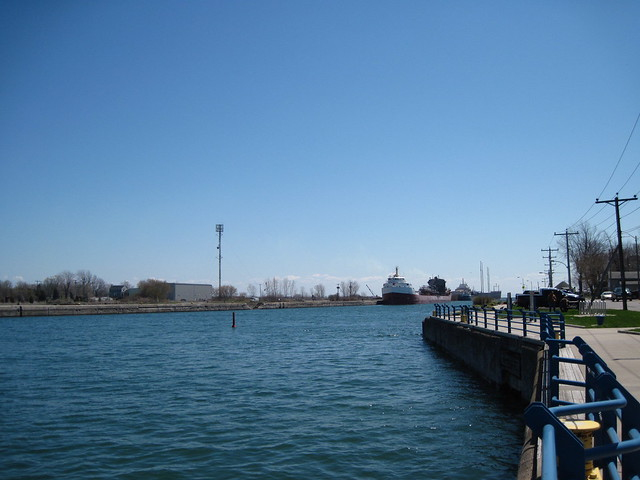 Welland Canal - Port Colborne - Ontario - 5 May 2011 - NiagaraWatch.com
