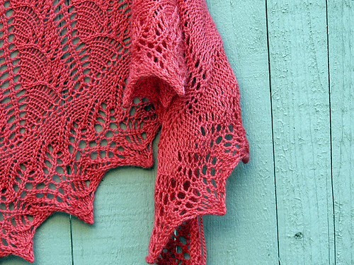 New shawl in Tilli Tomas