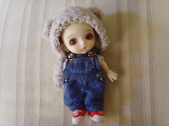 Referencia para Santi (Mitilene - Dolls are good!) Tags: bear white hat gap barbie shelly belle denim kelly amigurumi overall lati