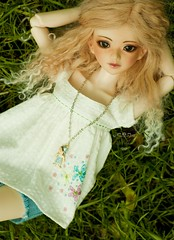 Julia - cloud watching (ADAW 26/52) (meike) Tags: ball outside outfit doll julia bjd resin hybrid alchemic msd jointed labo unoa faceup sist 2652 souldoll adaw sweetlytwisted wimukt foxybrowny