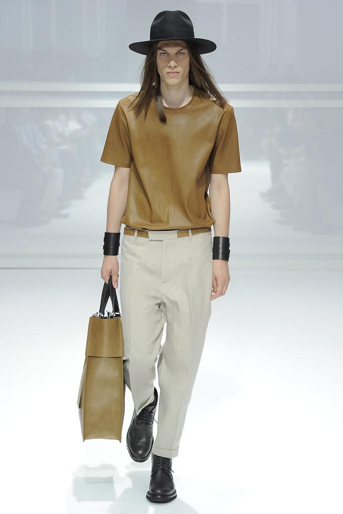 SS12 Paris Dior Homme023_Hubert Rapisardi(VOGUEcom)
