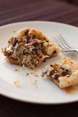 Kukeseene-sinihallitusjuustu pirukad / Chanterelle blue cheese pies