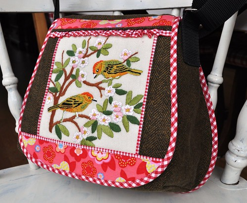 spring birds shoulderbag