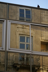 on the balcony (l3ettina) Tags: new old house reflection jaune mirror alt haus montpellier gelb nouveau maison taube spiegelung mirroir neu vieux reflektion speigel widerspiegelung