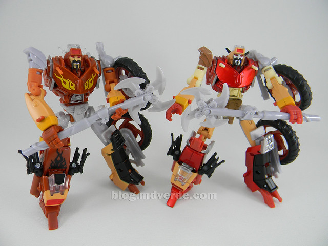 Transformers Wreck-Gar United Deluxe - modo robot vs RTS