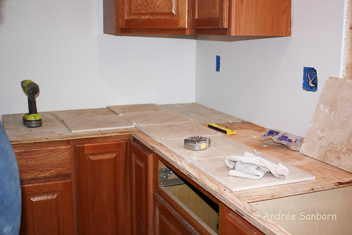Laying counter top tiles (1 of 18).jpg
