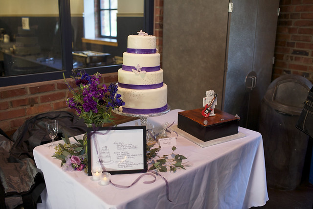 Shannon & Rob's Cake Table