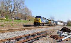 CSX Q696 Fordtown, TN. April 3rd 2011 (watain89) Tags: railroad yard back appalachia csx kingsport clinchfield