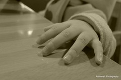 Little hand from 14 months-old Hannah (anthonyleungkc) Tags: leica hongkong kowloonbay megabox dlux5