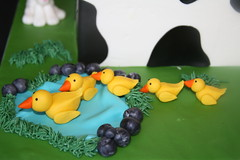 "Fondant ducks • <a style=""font-size:0.8em;"" href=""http://www.flickr.com/photos/60584691@N02/5625527428/"" target=""_blank"">View on Flickr</a>"