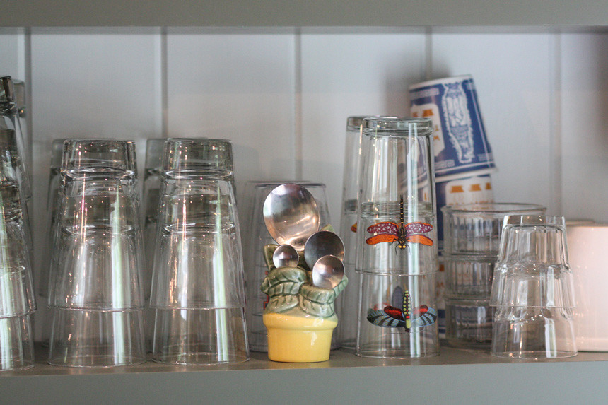 shelf detail glasses