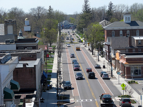 Hamburg, NY (by: Dan Burden via Complete Streets, creative commons license)