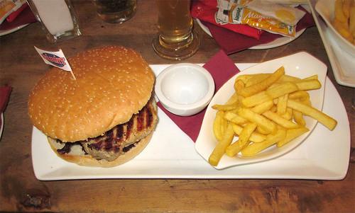 BBQ Burger & Pommes Frites
