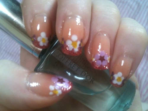 Flower Glitter French Manicure by KitaRei