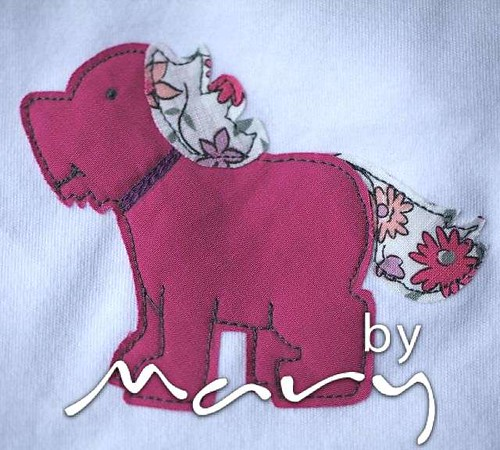 Applique t-shirt with dog