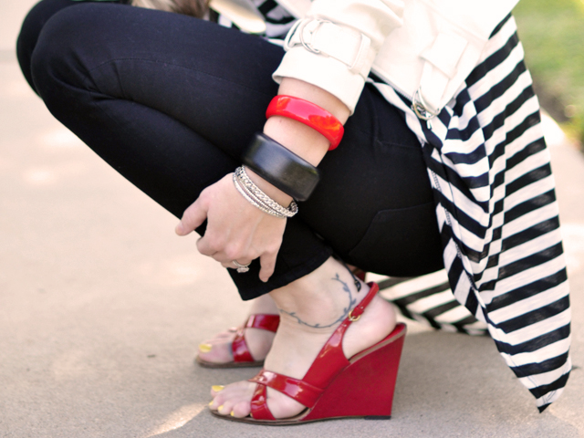 Black white and red outfit +black j brand jeans+white leather jacket+stripes