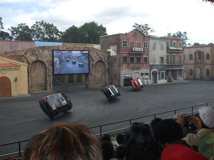 Stunt Drivers - Movie World Theme Park