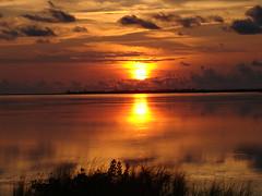Sunset Beach (Hoosierguy Jeff) Tags: sunset sun beach gulfofmexico island gulf florida sunsetbeach tarponsprings pinellascounty tarponspringsflorida