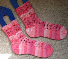 strawberrytaffysocks0001