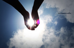 246/365 Sunclouds (veravesta) Tags: sky woman sun man love sol clouds mujer hands couple pareja amor manos cielo nubes 365 hombre 365project canonxti 365dyas proyecto365 365dias