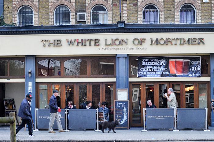 White Lion of Mortimer on Stroud Green Road