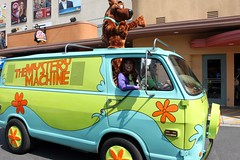 Scooby Doo  & Daphne (Prayitno / Thank you for (9 millions +) views) Tags: california ca mystery la los angeles machine hollywood daphne scoobydoo universal van studios doo scooby mysterymachine ush konomark