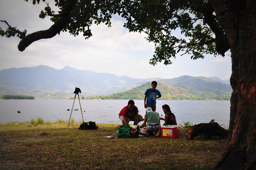 picnic at lake mapanuepe