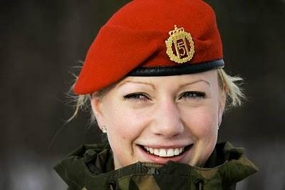 Military_Women_30