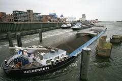 Zeldenrust, Ijmuiden, Netherlands (Jelltex) Tags: netherlands canal barge ijmuiden zeldenrust jelltex jelltecks