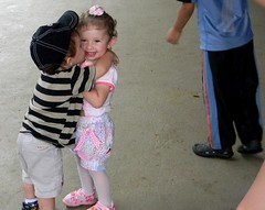 O amor (Mh :)) Tags: love children kiss amor beijo crianas babys bebs bjo