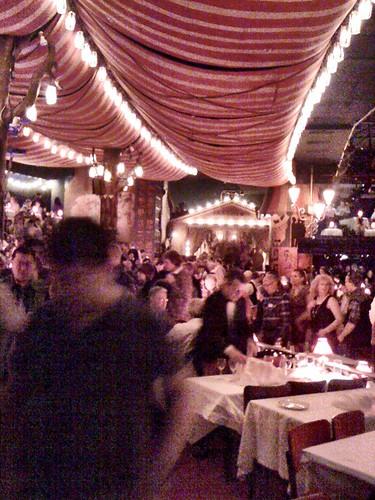 <span>parigi</span>Moulin Rouge<br><br>Spettacolo meraviglioso... Foto rubata!<p class='tag'>tag:<br/>viaggio | luoghi | parigi | </p>