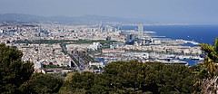 Yet another viewpoint! (Trapac) Tags: barcelona urban castle spring spain nikon cityscape catalonia espana barceloneta catalunya overlooking viewpoint montjuic portolympic 2011 nikkor3570mm portveil montjuiccastle castelldemontjuc d700 nikond700 flickrcollectionongetty tracypackerphotography wwwtracypackercom gettymomentcreativecollection