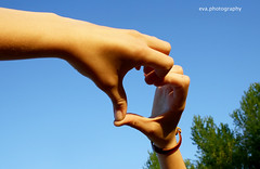 summertime! (Eva Merry) Tags: blue sky nature project eva hand heart days passion 365 merry evaaphotography evagruber evamerry