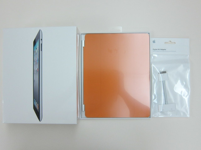 Apple iPad 2 + Smart Cover + Digital AV Adapter