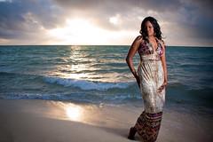 [フリー画像] 人物, 女性, 黒人女性, ビーチ・砂浜, ドレス, 201105090900