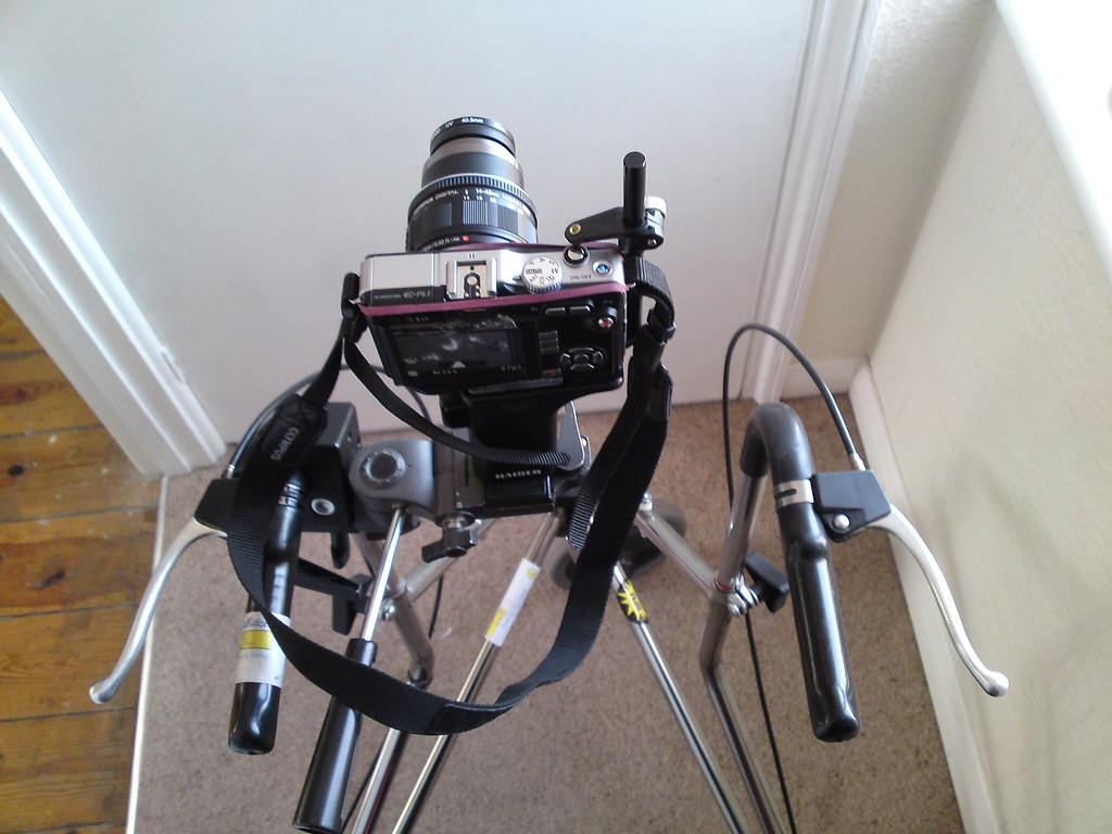 Wheeled zimmerframe tripod dolly - top view