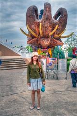 Khun Wan (KonHenrik) Tags: people thailand temple wat hdr 2011 wathuaymongkol