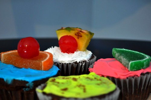5745283542 9fa750f7b2 Alcohol Themed Cupcakes with Beer, Wine, Champagne and Cocktail Ideas