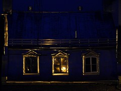 Golden night - Nuit dore (eburriel) Tags: windows roof canada night gold or qubec toit nuit fentre emmanuel aiguillon burriel eburriel
