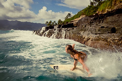 china walls (SARA LEE) Tags: china summer girl turn hawaii surf afternoon oahu surfer rusty sunny kai walls sophia hawaiikai portlock deadly shortboard waterhousing sarahlee chinawalls kobetich surfhousing vivantvie