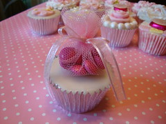 Baby girl christening (Hilary Rose Cupcakes) Tags: individual favour