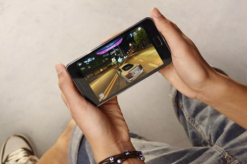 GALAXY S II Lifestyle Image (15).JPG