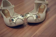 Melissa Hoop II  (Bruna Lacrout ) Tags: shoe lace portoalegre melissa dourado sandal bege sandlia plstico lao sapatilha ribon hoopii sonya230