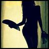 Vanitas, vanitatis (Sator Arepo) Tags: leica portrait silhouette backlight pose fan reflex linen curtain olympus innuendo e1 elegance abanico elmarit uro smartness 1450mm stylishness fzfave retofez110426