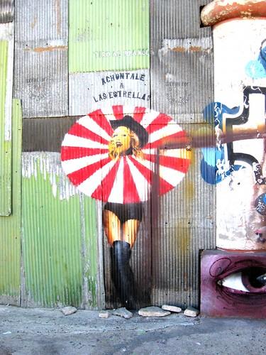 Eso, achúntele a la Madonna!! by Aylla Chile