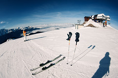 Short Break (Philipp Klinger Photography) Tags: trip blue winter light shadow vacation sky people orange cloud mountain holiday snow ski france mountains alps sport clouds alpes grenoble nikon frankreich lift rhne fisheye alpine gloves k2 alpen zenitar philipp francia slope rhone chamrousse photon klinger rhonealpes isre rhnealpes croixdechamrousse d700 dcdead k2photon k2ampphoton