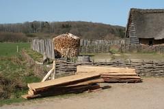 Holzbohlen in Haithabu - Wikinger Museum WHH 09-04-2011