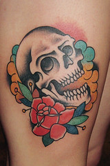 una piba sin piel en un paraiso cosmico (piranhart) Tags: rose tattoo skull rosa well done tatu tato piranha calavera welldone ta2 piraa welldonetattoos xpiranhax piranhart