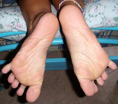 P8050028 (Dragonotna2) Tags: feet toes soles sexytoes sexyfeet femalefeet sexysoles femaletoes femalesoles
